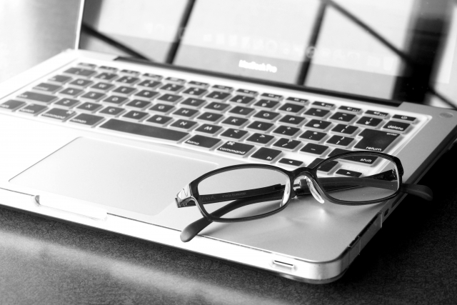 PC(パソコン)用メガネの老眼鏡を作る時の注意点