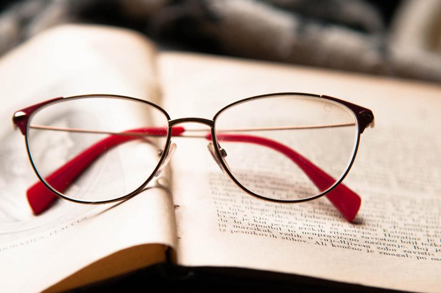 国内のメガネ市場の約7割が老眼鏡という事実