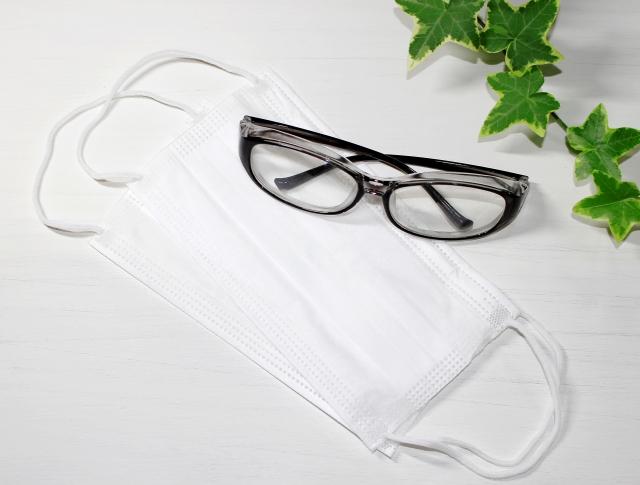 正しいメガネの洗い方で、目のまわりを清潔に保つ